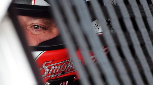 042416-NASCAR-Tony-Stewart-Richmond.vadapt.664.high.25